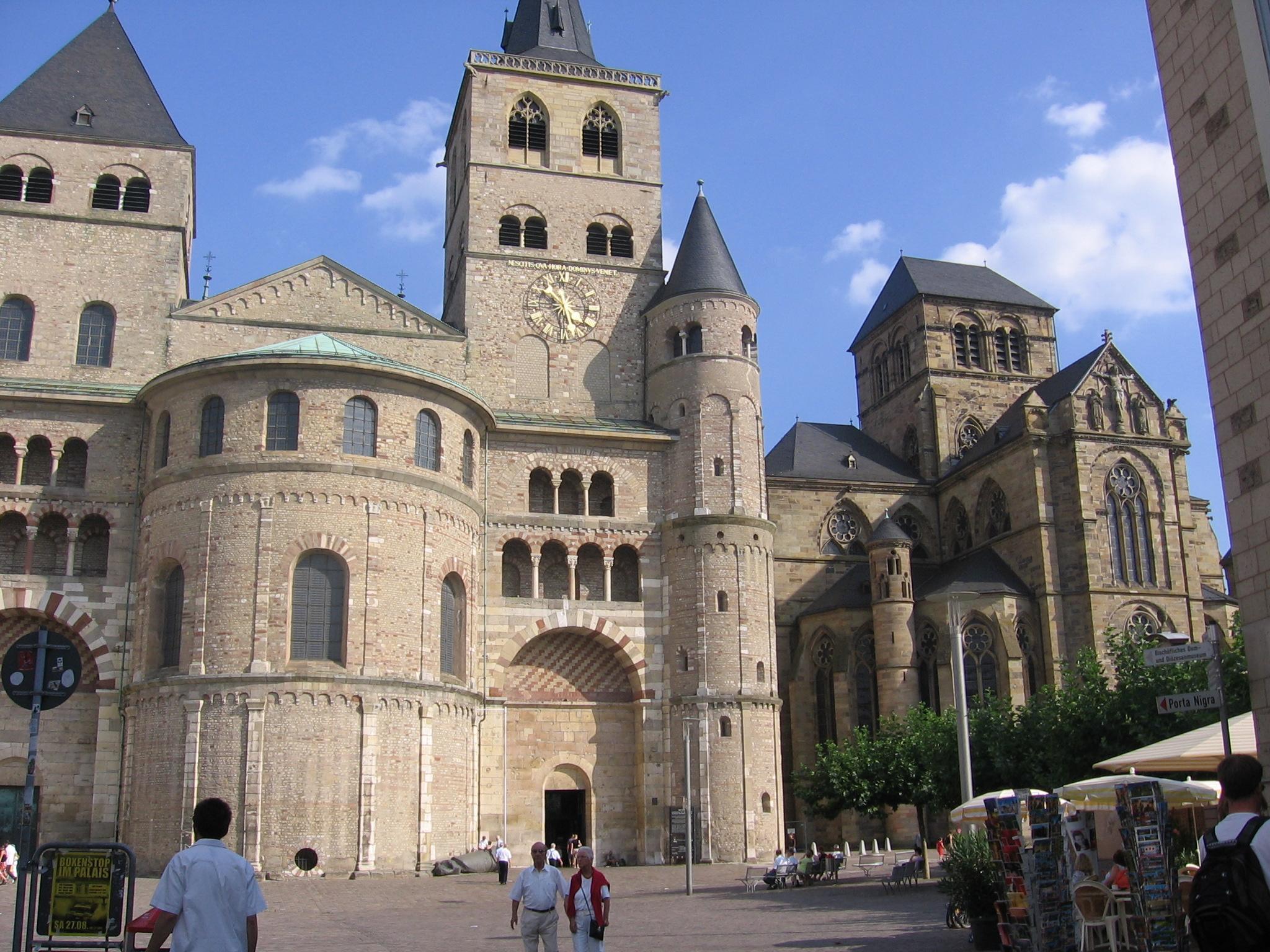Dom-van-Trier-1