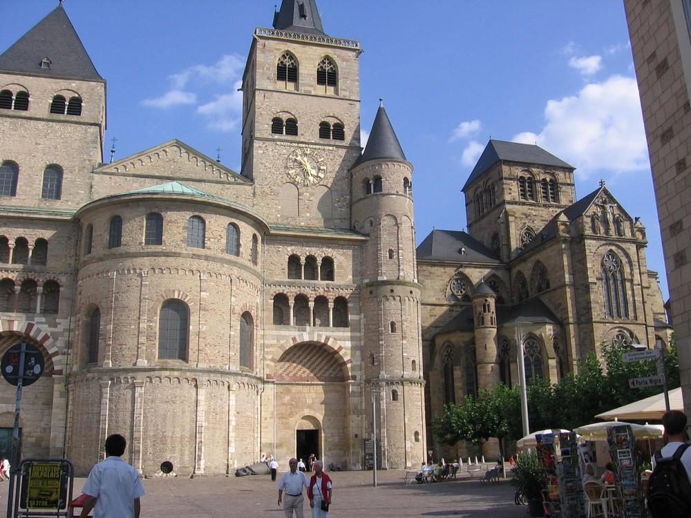 Dom van Trier 1