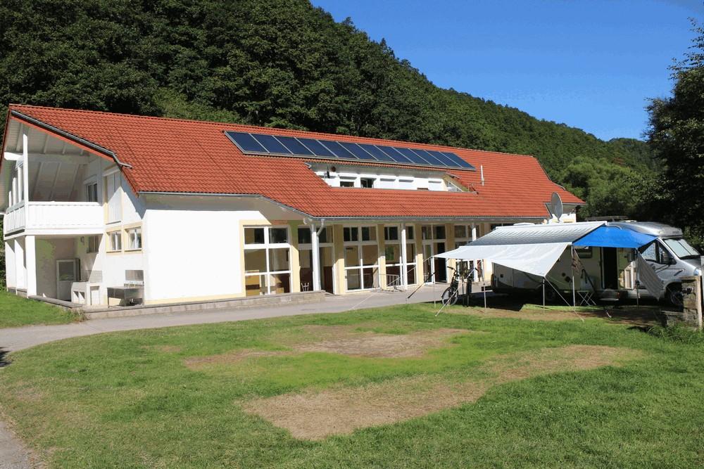 Sanitairgebouw-Camping-in-der-Enz
