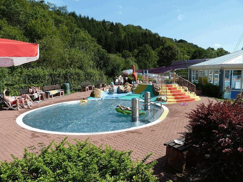 Aqua-Fun-Schwimmbad-Neuerburg-1